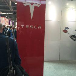 Tesla auf der CeBIT 2015 - PICTURE GROUP